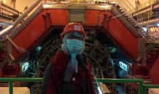 Joon in front of ALICE detector